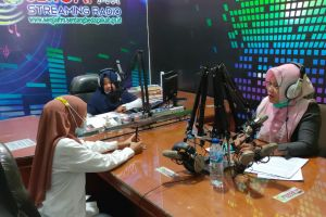 Hakim PA. Sei Rampah Mengisi Acara Program Talkshow Interaktif Melalui Radio Sergai FM