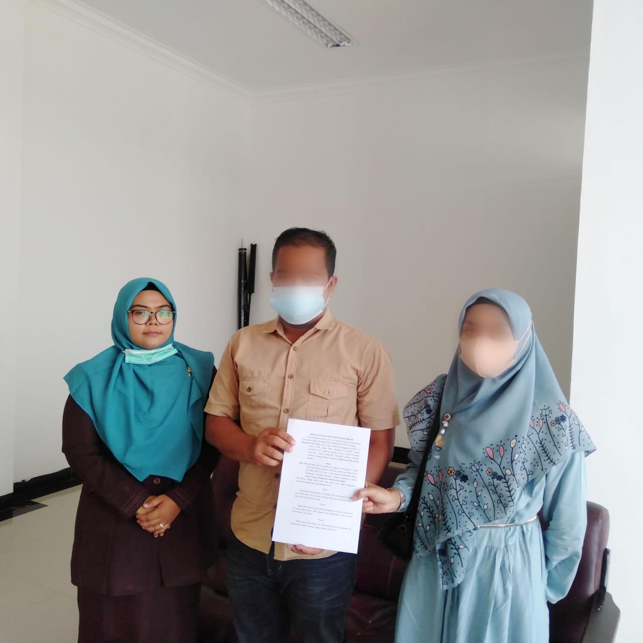 Berhasil, Hakim Mediator Pengadilan Agama Sei Rampah Melaksanakan Mediasi 2 Perkara Cerai Gugat | (25/10)